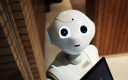 AI Applications in Various Industries: Who's Doing What?